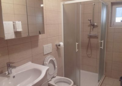 apartma-1-2-kopalnica