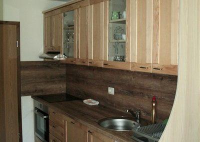 kuhinja-v-apartmaju-6